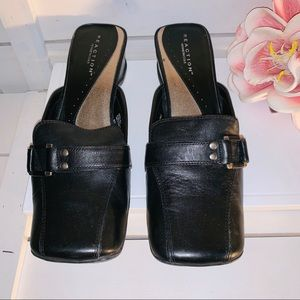 Kenneth Cole Reaction Black Leather Mules